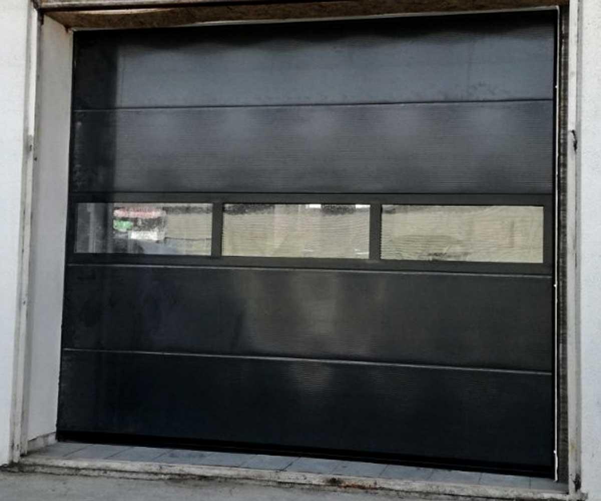 usi de garaj sectionale single cu fereastra HB Construct