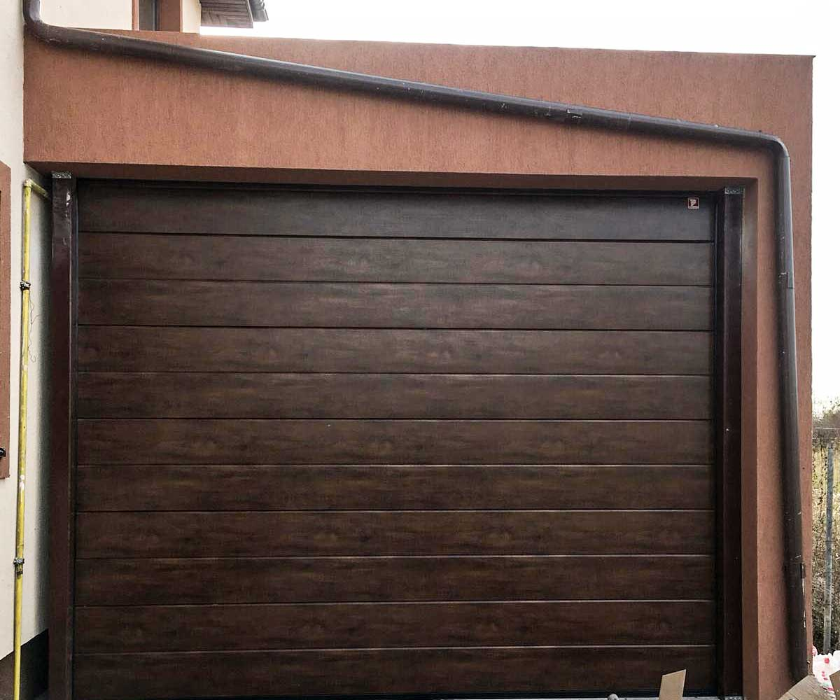 usa garaj rulou rezidentiala automatizata - HB Construct
